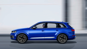Audi SQ7 HD Background