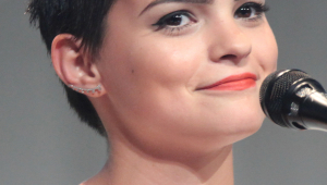 Brianna Hildebrand HD Iphone