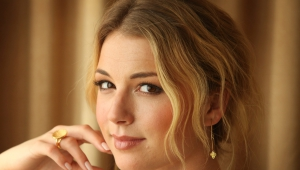 Emily VanCamp HD Desktop