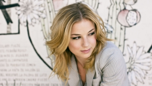 Emily VanCamp HD Wallpaper