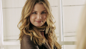 Emily VanCamp Photos