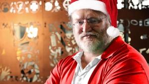 Gabe Newell Santa