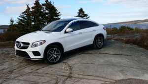Mercedes Benz GLE Coupe Hd Background