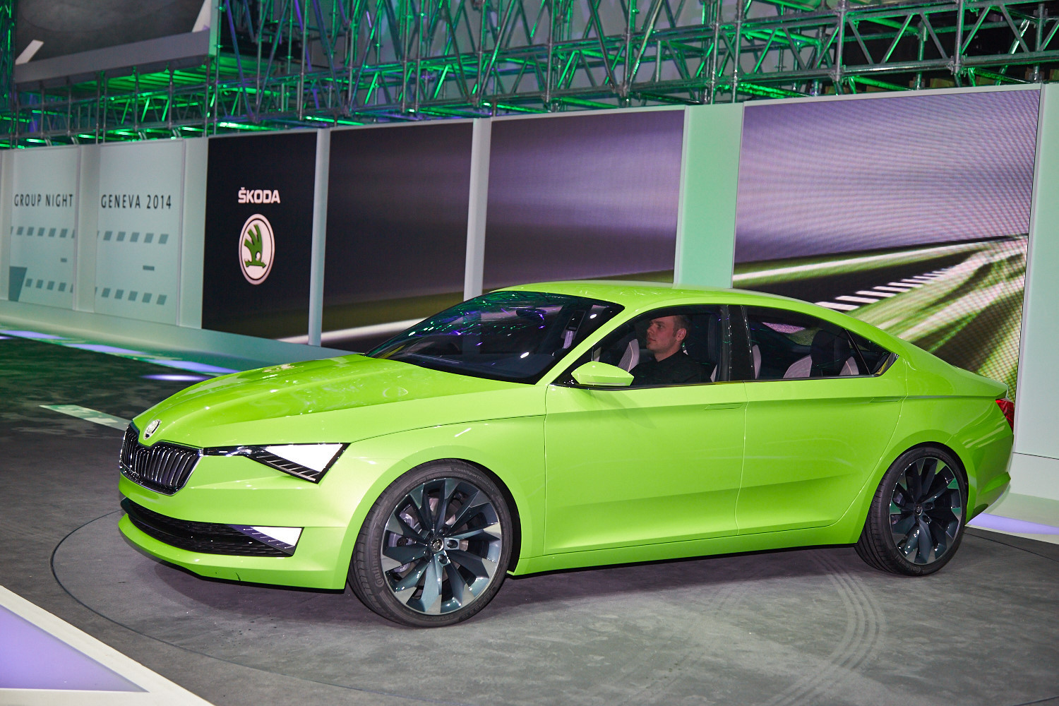 Skoda Vision C Concept Wallpapers Images Photos Pictures