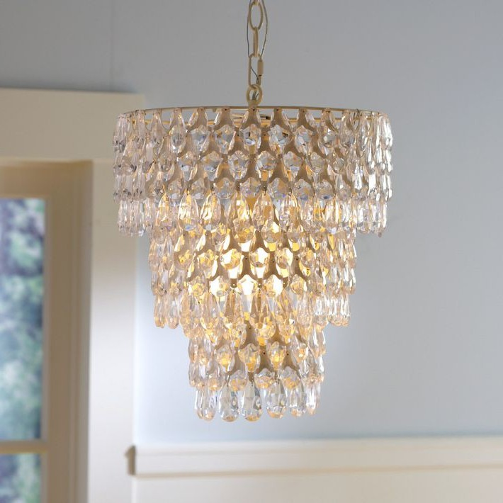 Small chandeliers for girls room for Chandelier light for girls room