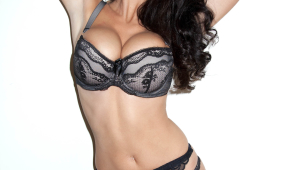 Alice Goodwin HD Iphone