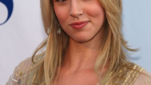Alona Tal HD Iphone
