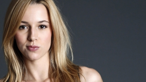 Alona Tal High Definition Wallpapers