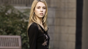 Alona Tal For Desktop