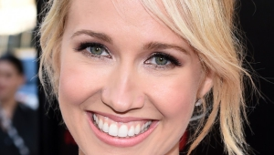 Anna Camp Desktop For Iphone
