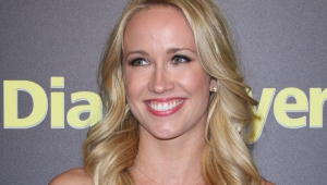 Anna Camp Widescreen