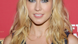 Anna Camp Iphone Images
