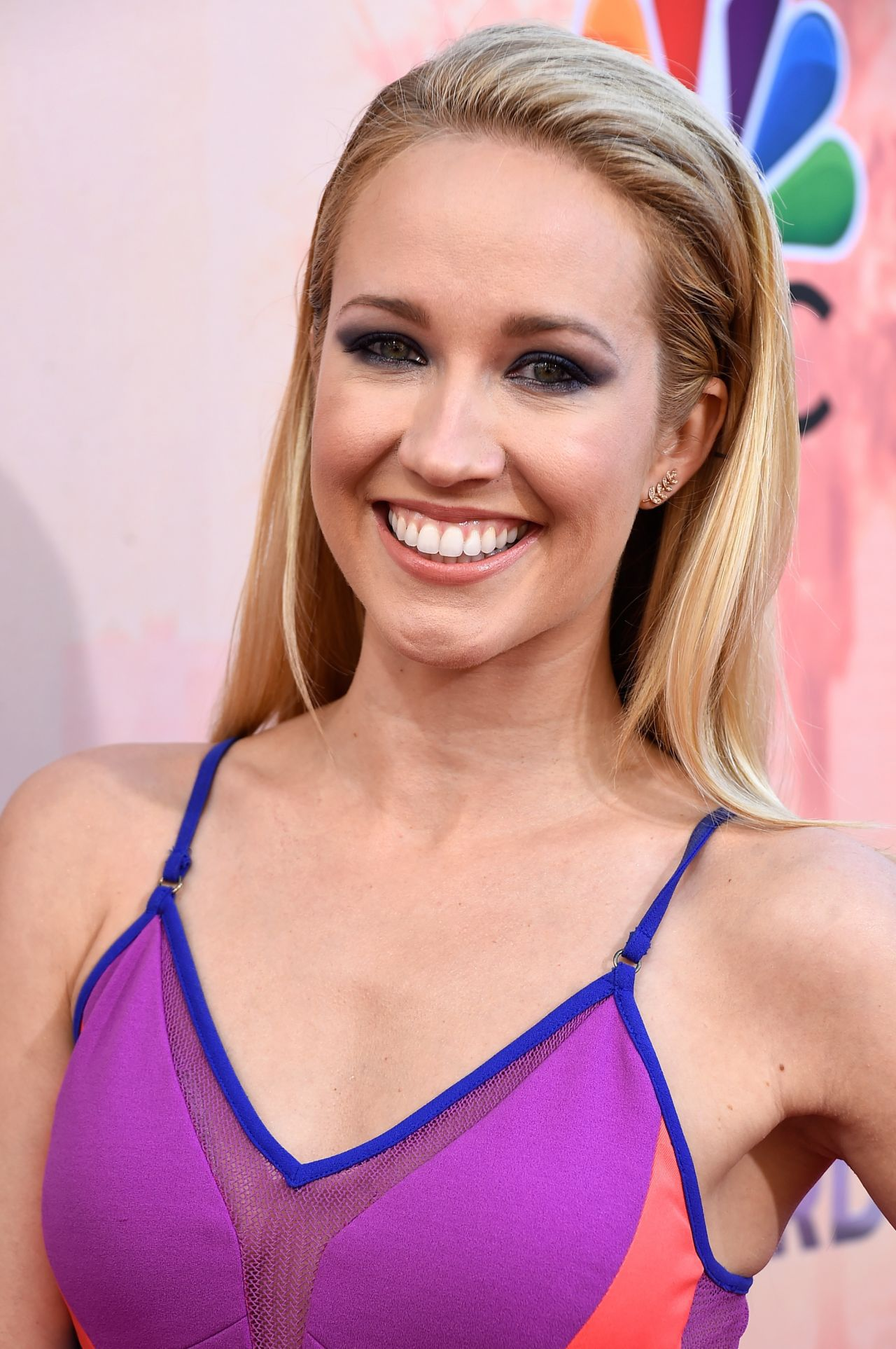 Anna Camp Iphone