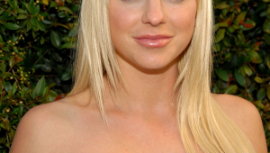 Anna Faris Android Wallpapers