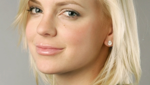 Anna Faris HD Iphone