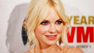 Anna Faris High Definition Wallpapers