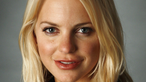 Anna Faris For Desktop