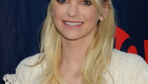 Anna Faris Iphone Wallpapers