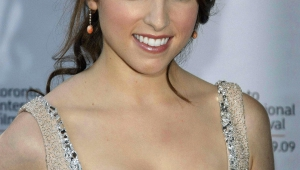Anna Kendrick Android Wallpapers