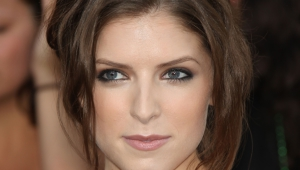 Anna Kendrick HD Iphone