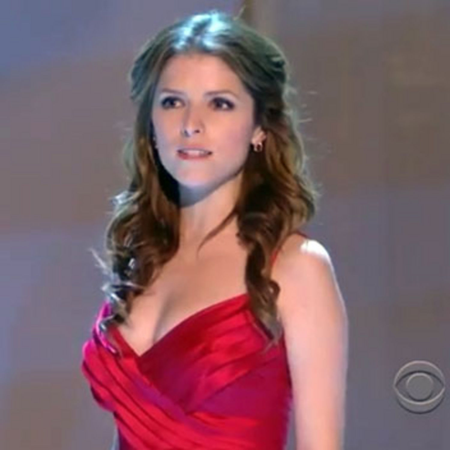 Anna Kendrick Iphone Sexy Wallpapers