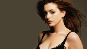 Anne Hathaway Desktop Images