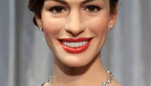Anne Hathaway HD Iphone