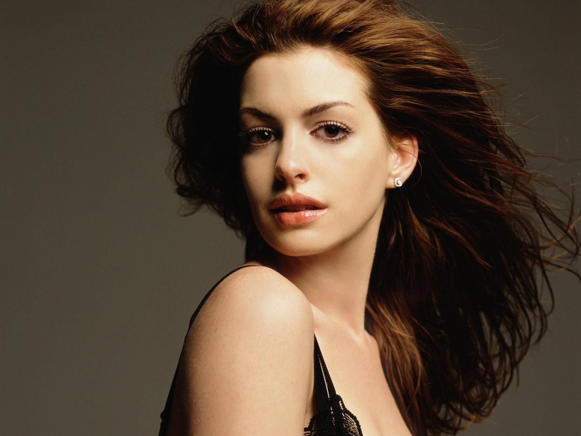 Anne Hathaway HD