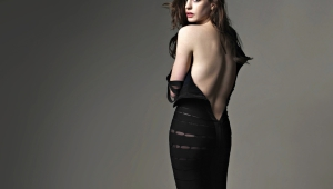 Anne Hathaway Wallpapers And Backgrounds