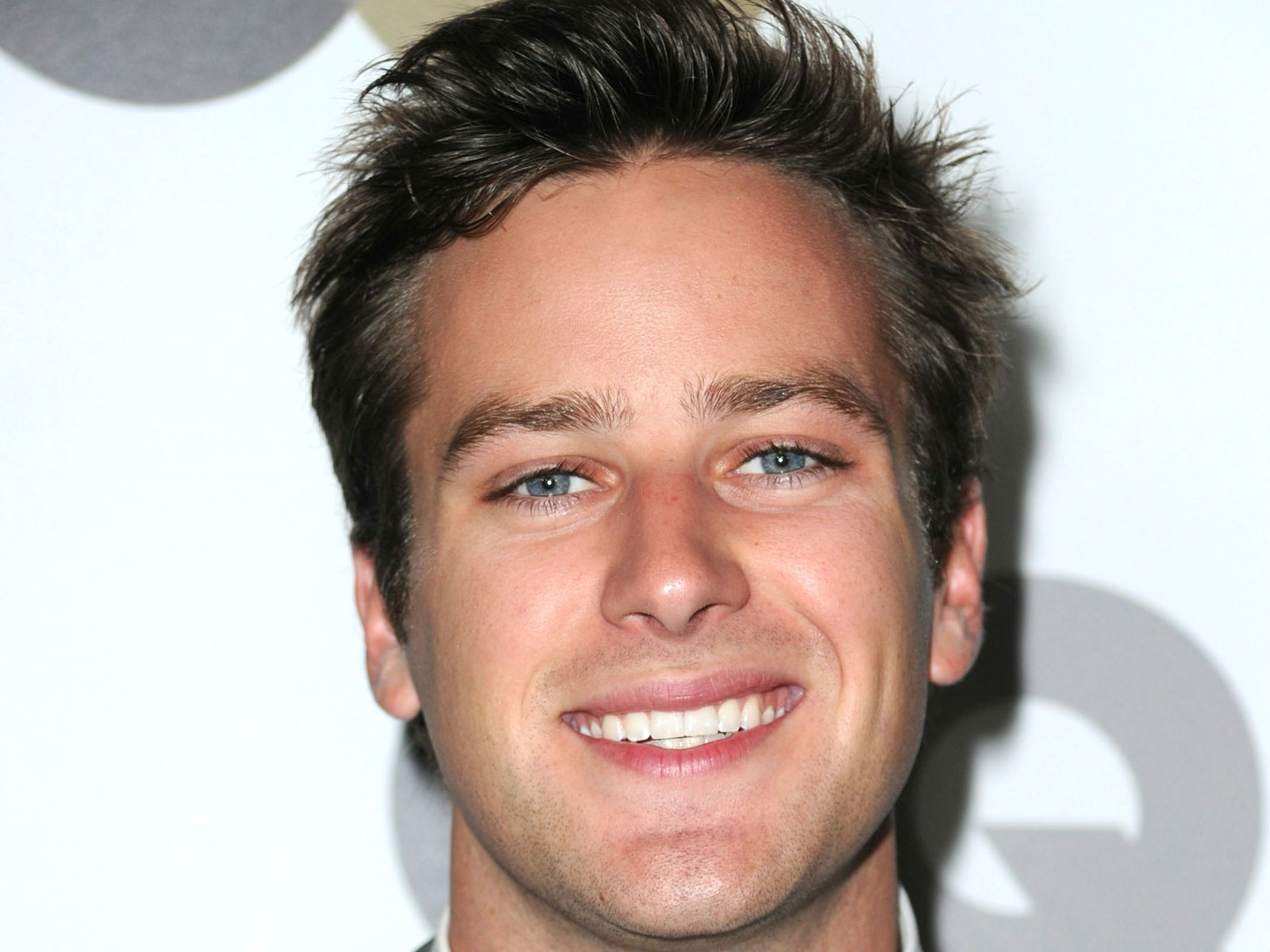 Armie Hammer Wallpapers Images Photos Pictures Backgrounds