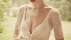 Beautiful Vintage Wedding Hairstyle