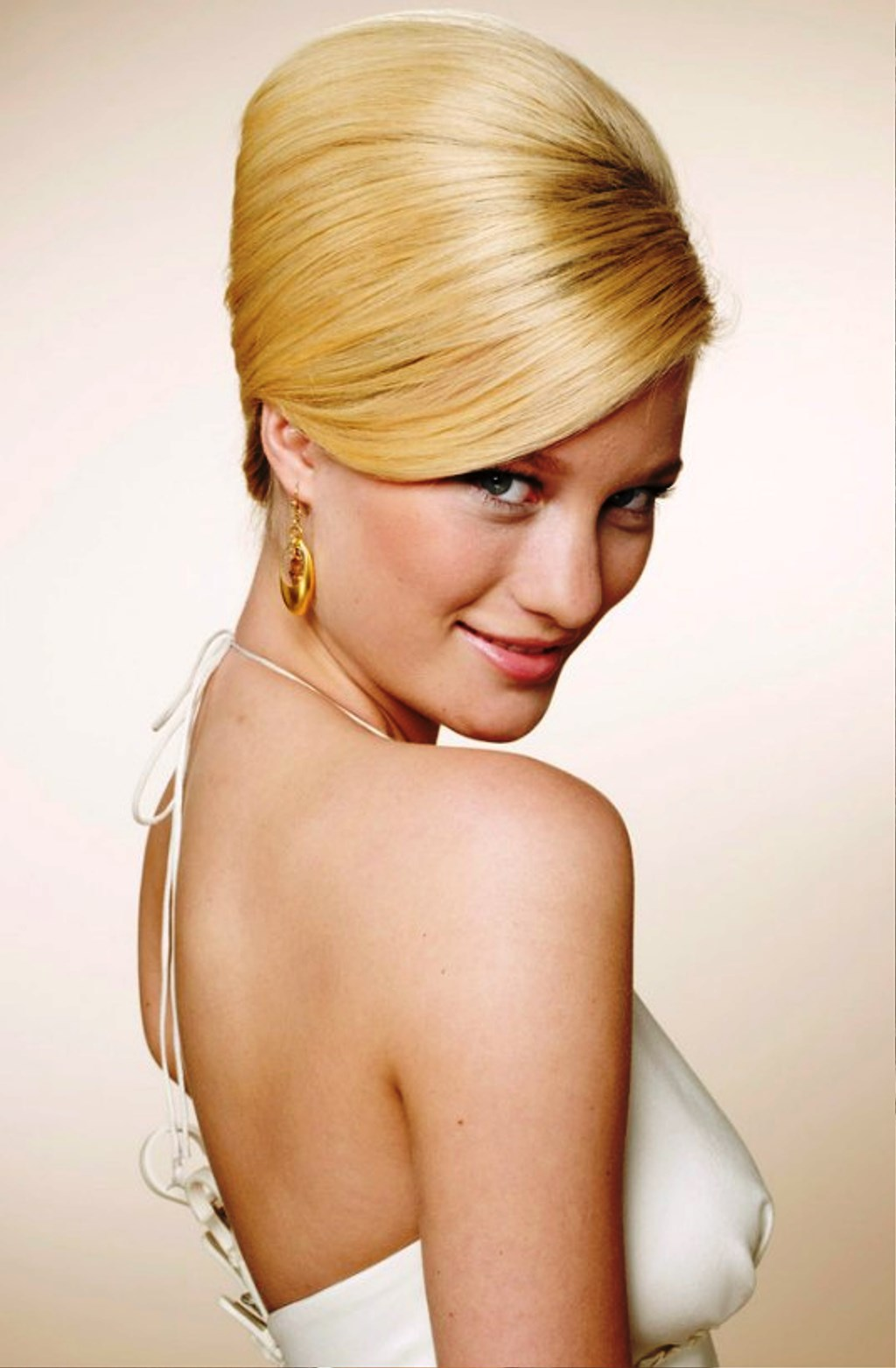 How To Create a 1960s Mad Men Hair Style Step by Step