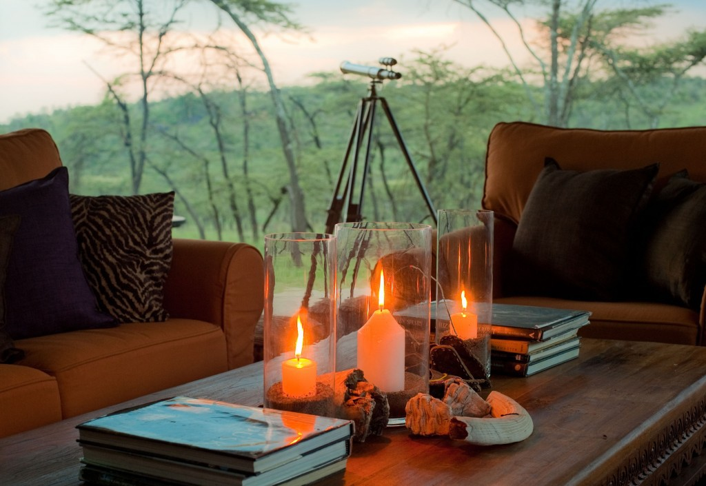 Candles As Coffee Table Accessories