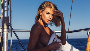 Charlotte McKinney HD Wallpaper