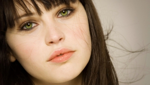 Felicity Jones High Quality Wallpapers