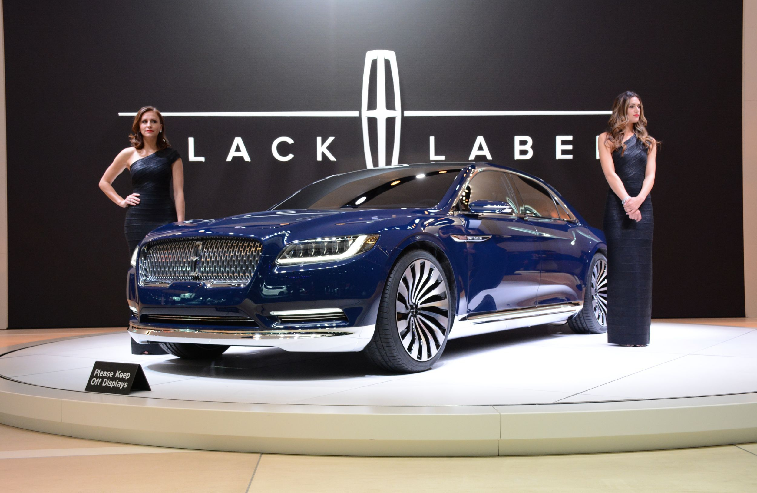 Lincoln Continental 2017 Wallpapers Images Photos Pictures ...