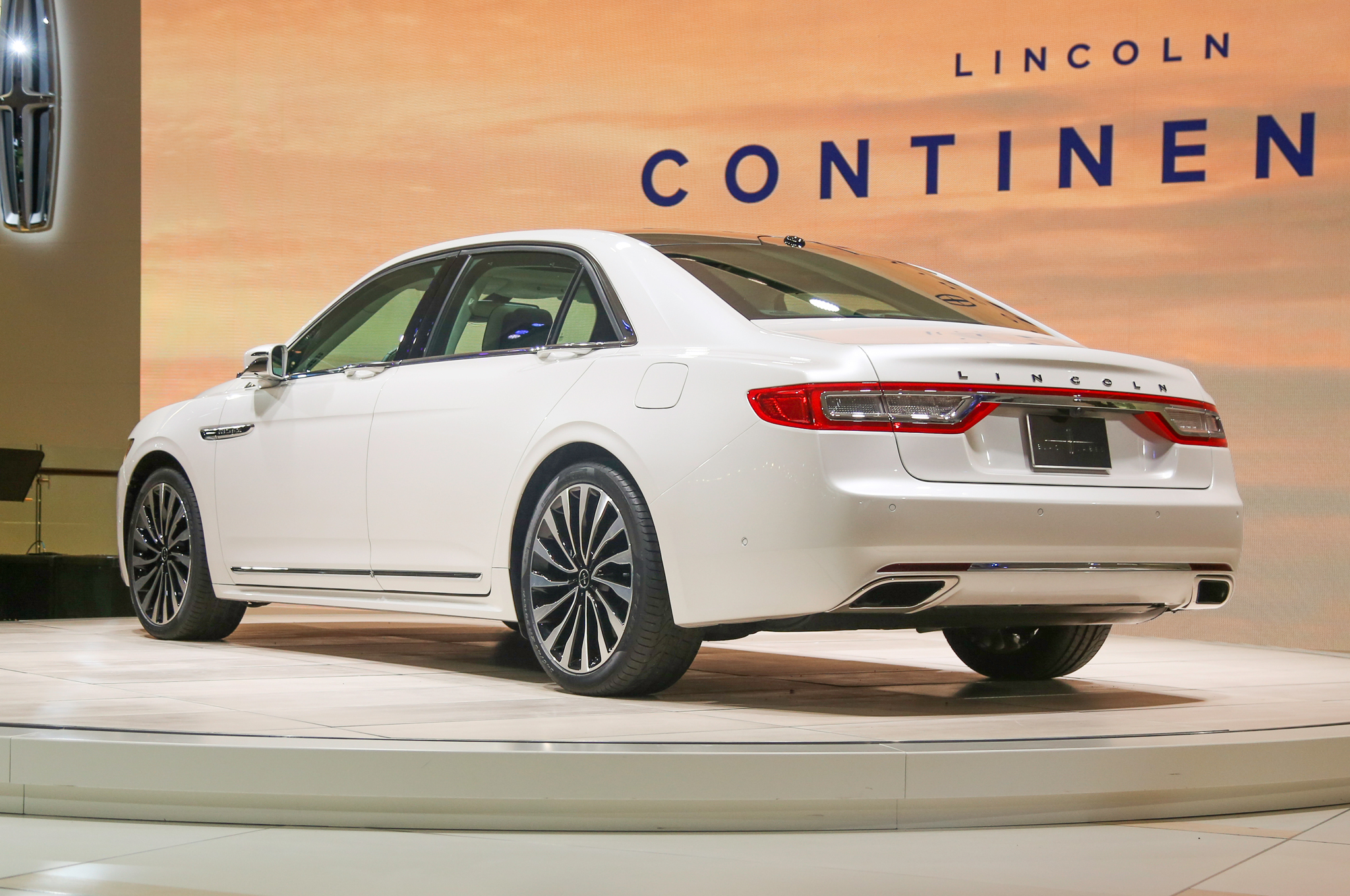 Lincoln Continental 2017 High Quality Wallpapers