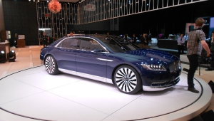 Lincoln Continental 2017 Photos