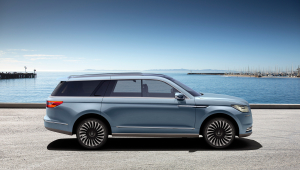 Lincoln Navigator Widescreen