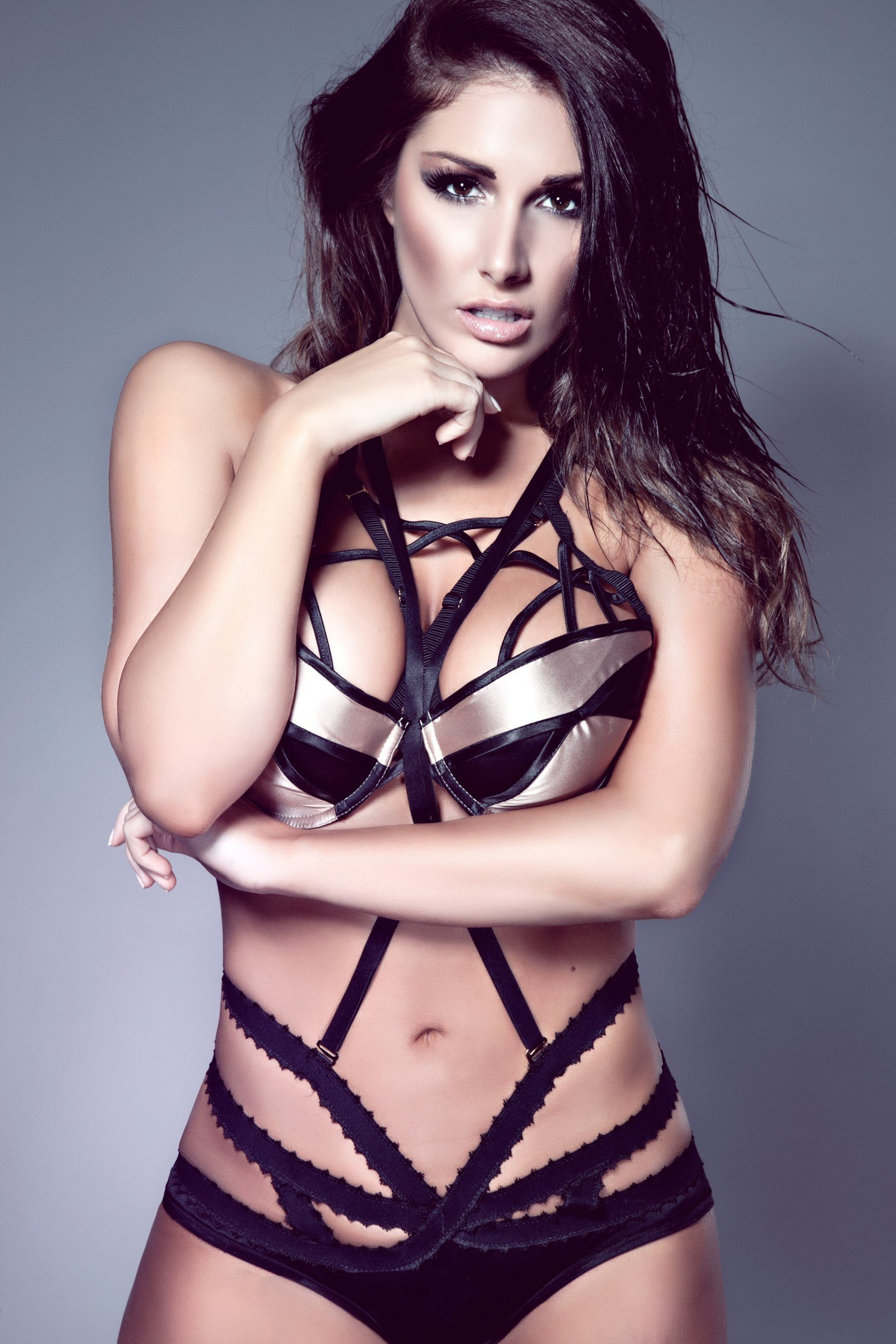 Lucy Pinder Free Download Wallpaper For Mobile