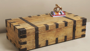 Simple Trunk Coffee Table