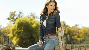 Tricia Helfer Free HD Wallpapers