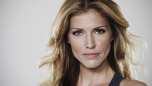 Tricia Helfer HD Wallpaper