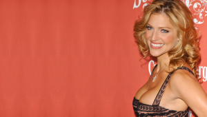 Tricia Helfer High Definition