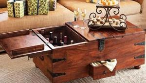 Wine Storage Trunk Coffee Table Idea