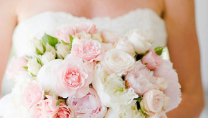 Chic Bridal Bouquet Idea