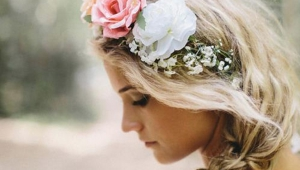Trendy Flower Hairstyle Wedding