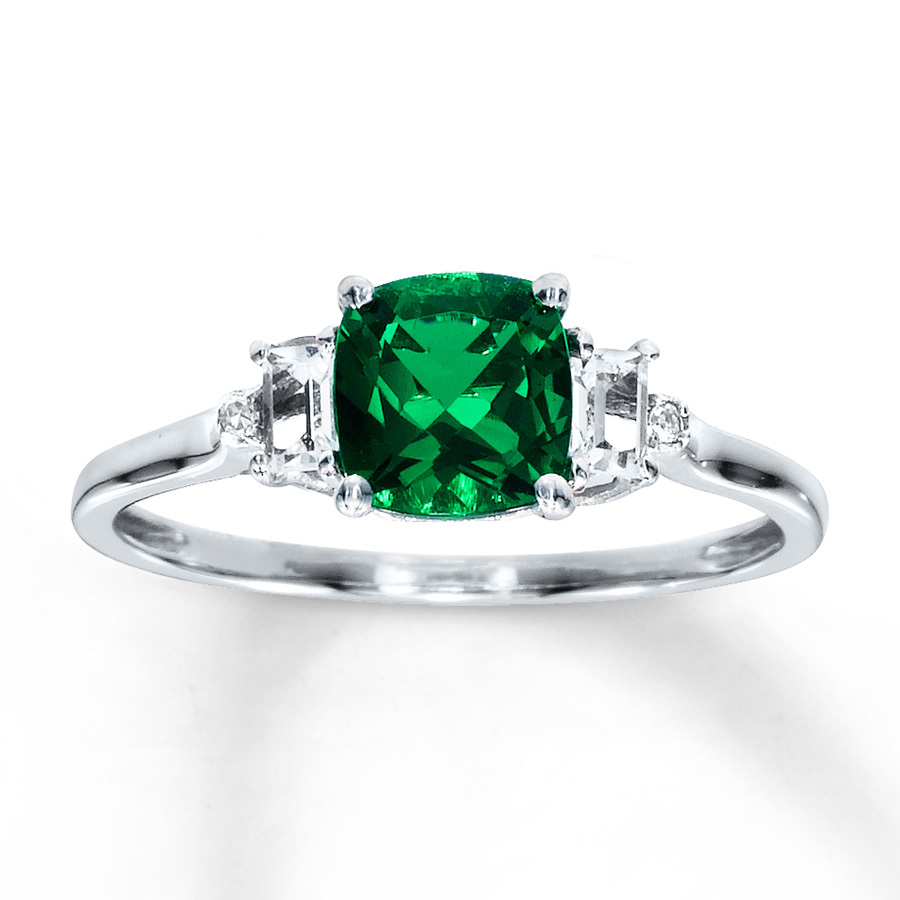 Vintage Emerald Engagement Rings Uk