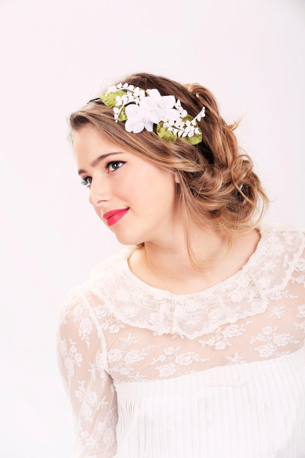 wedding hairstyles with flower headband