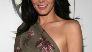 Angie Harmon Iphone Wallpapers